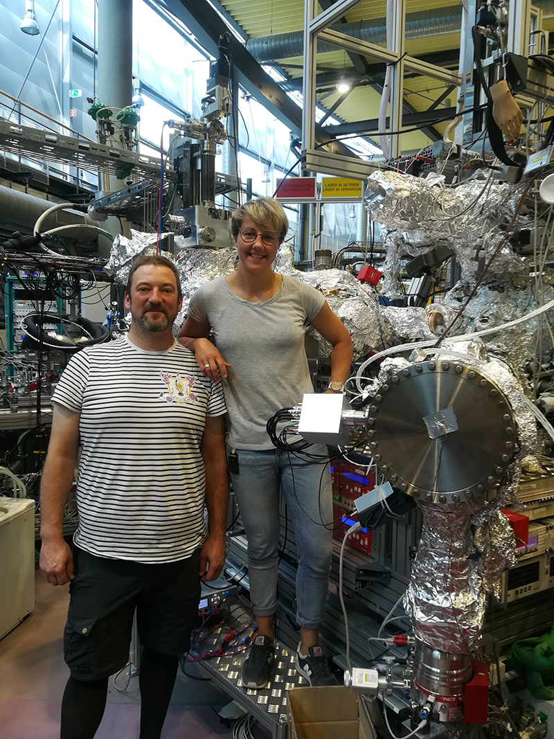 Ieva Bidermane and her colleague Torsten Leitner are the beamline scientists for UE52 PGM